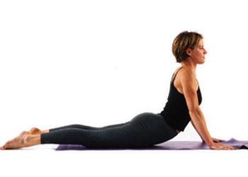 exercice yoga du cobra